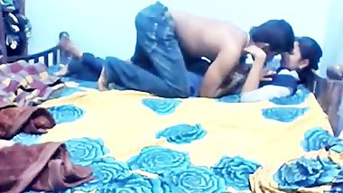 COLLEGE GIRL BUNK CLASS TO SEX BOYFRIEND