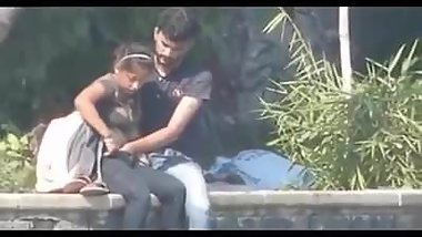 Desi couple having blowjob and fingering in public park