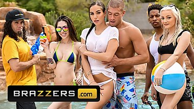Brazzers - Busty Desiree Dulce gets titty fucked at pool party