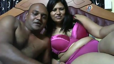 Mature desi horny couple on webcam.mp4